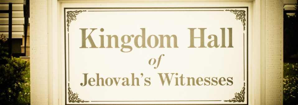 Excommunicated Jehovah's Witnesses speak out on church's handling of childabuse