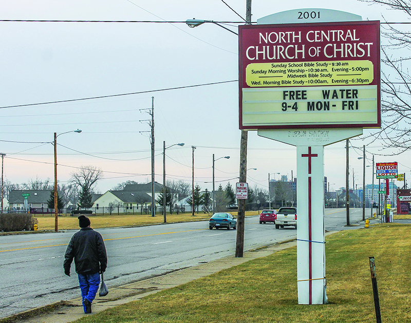 Thirsty souls: Churches help victims of Flint watercrisis