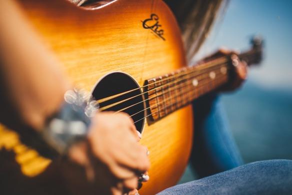 guitar-839168_1280